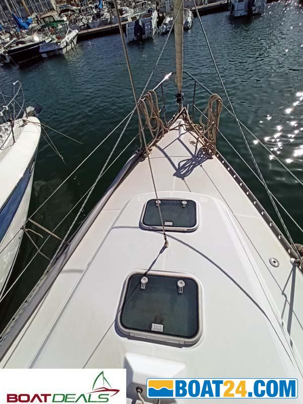 <b>Beneteau Oceanis 321 for sale by Boatdeals</b><br/>Boatdeals propose this Oceanis 321 in good conditions based in the south east of France