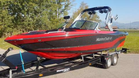 MasterCraft XT23 best Surf and Wake