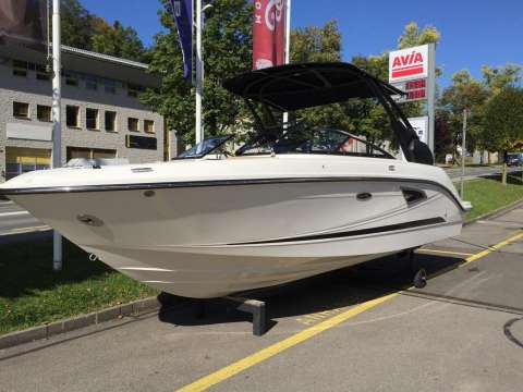 Sea Ray SLX 230 USA