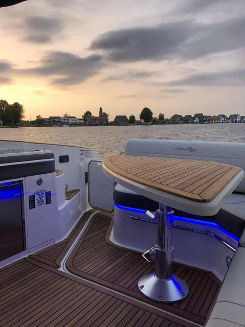 Sea Ray Sundancer 320 OB Europe