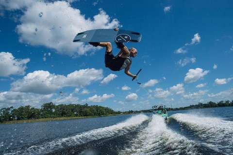 Nautique Super Air G25 - FOR BIG CREW AND WAKES