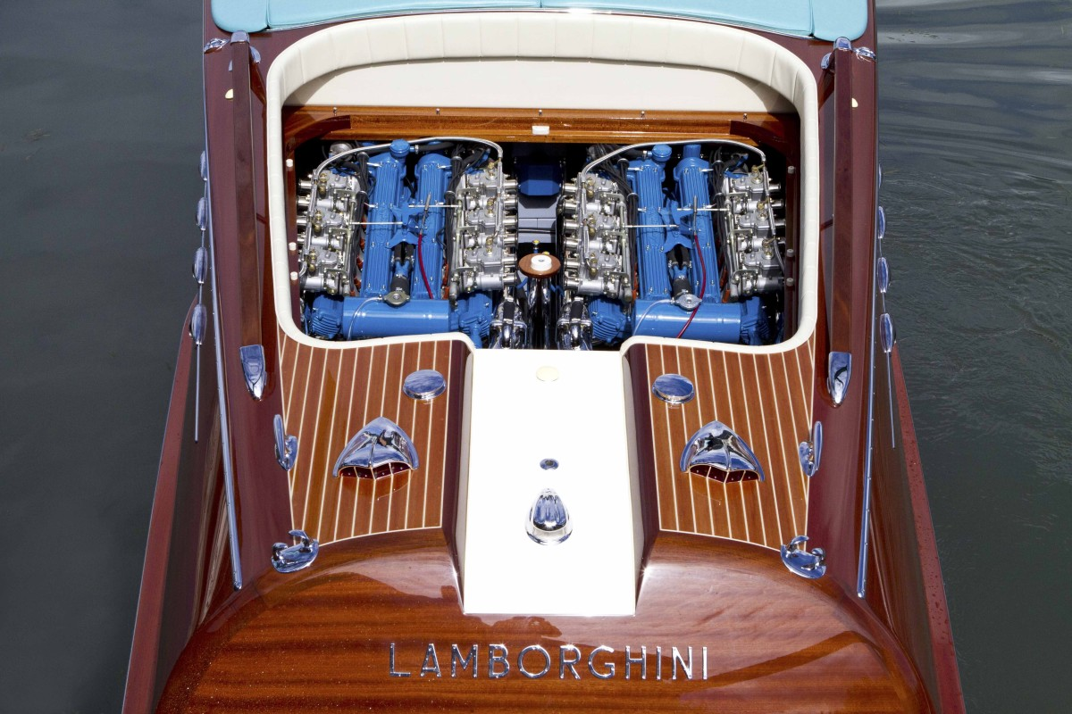 Riva mit Lamborghini Motor