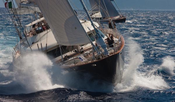 Die schweren Schiffe brauchen Wind
