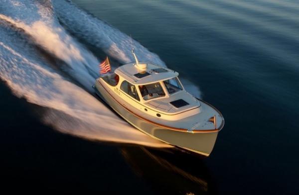 Ansehnlich ist auch das 34-füßige Picnic Boat