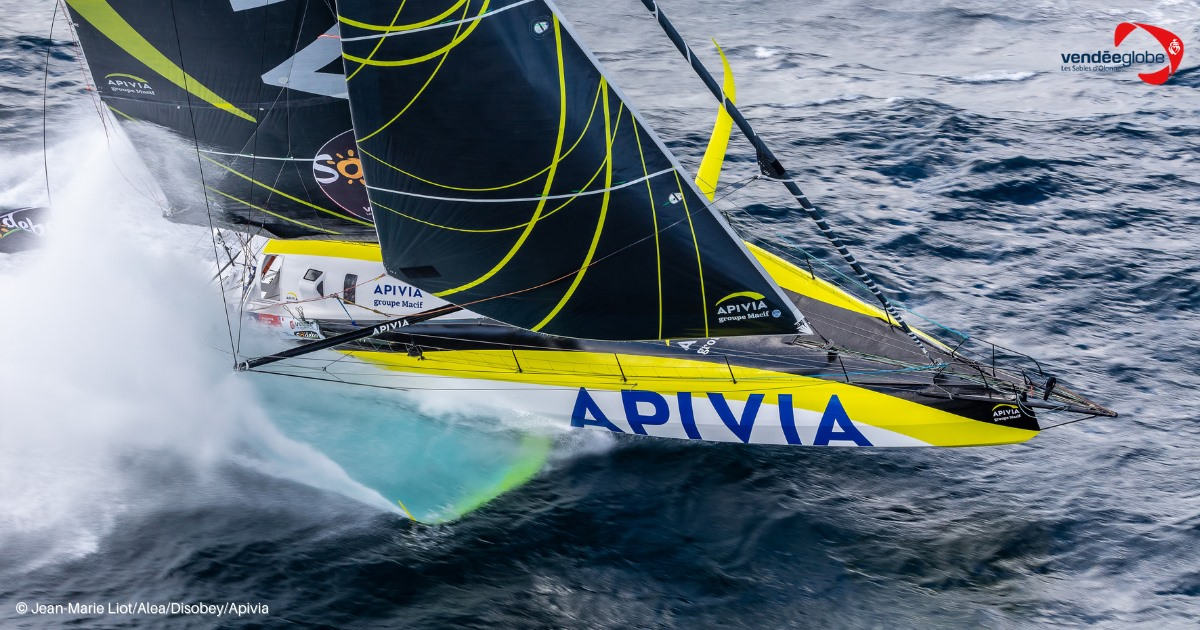 Apivia mit Skipper Charlie Dalin – Erste über die Ziellinie, dennoch weder schnellste Yacht noch Sieger © Vendée Globe, Liot, Alea, Apivia