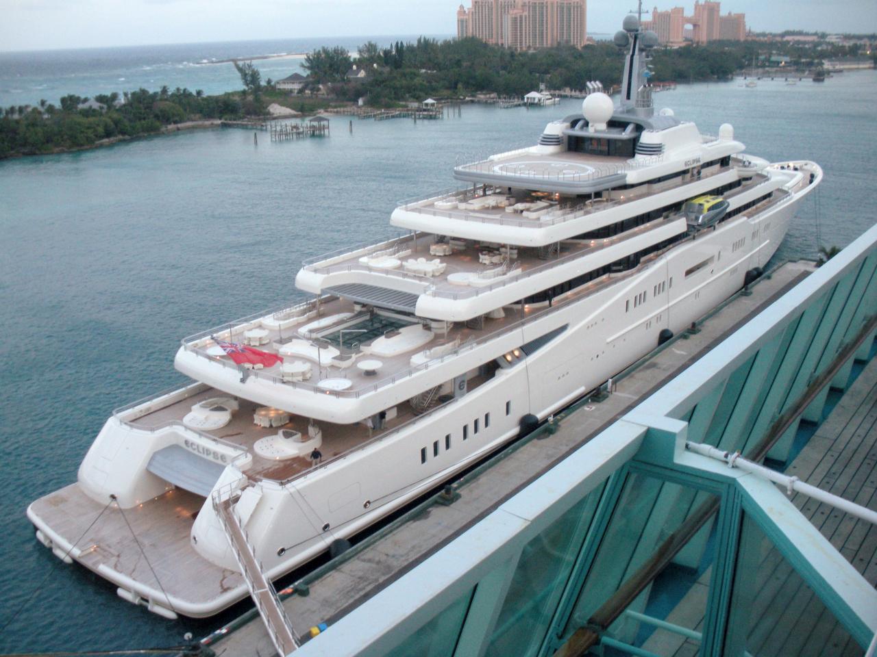 «Eclipse», die zweitgrößte Yacht der Welt in Nassau/Bahamas