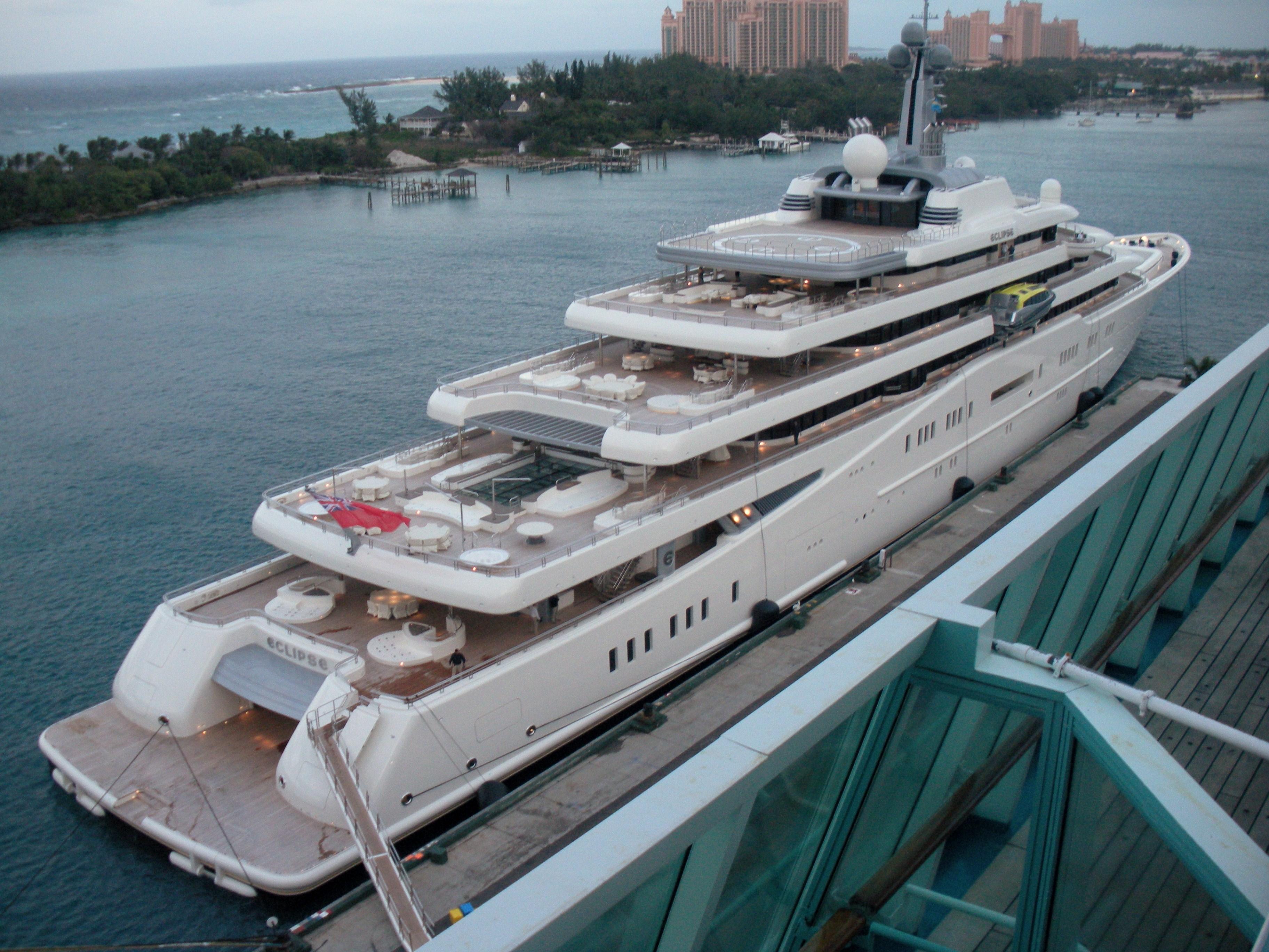 """""""Eclipse"""", die zweitgrösste Yacht der Welt in Nassau/Bahamas © DCwom/Wikipedia"""