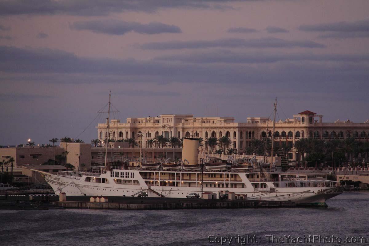 """Die Nummer 7. """"El Horriya"""" ist ein Schwesterschiff der englischen 'Victoria & Albert' Baujahr 1865 und wird heute von der ägyptischen Marine betreut © Yachtspotter/Ralf Grabbert"""