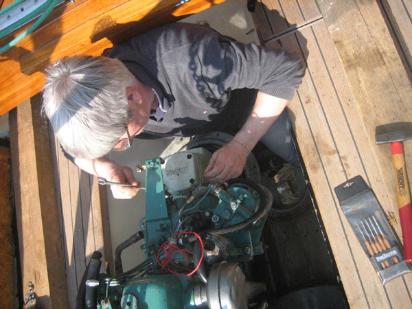 Kümmern Sie sich um die Technik Ihres gebrauchten Bootes - auch mit dem gelegentlichen Wechsel der Saildrive Manschette © Swedesail/E. Braschos