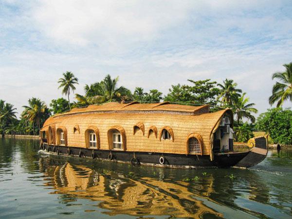 ©Hausboote gibt es praktisch überall wo es Wasser gibt ©kerala tourism